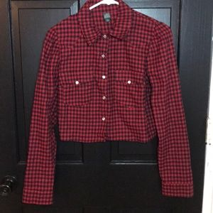 NWT Wild Fable cropped button down top